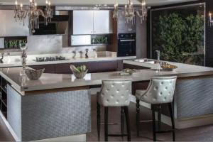 Modern Chic Kitchen by Mehrez & Krema